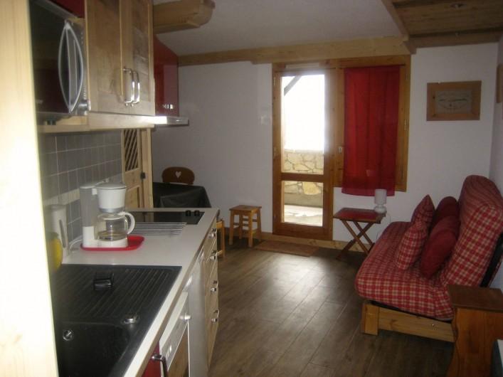 Location de vacances - Appartement à Valmorel - Cuisine américaine...