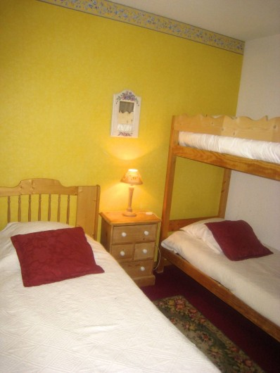 Location de vacances - Appartement à Valmorel - Chambre enfants lit simple + lits superposés