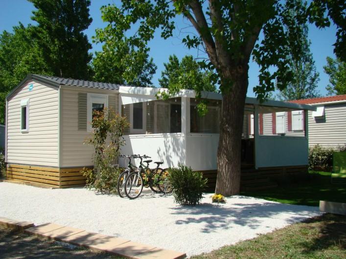 Location de vacances - Bungalow - Mobilhome à Saint-Aygulf - Mobile home haut de gamme avec terrasse abritée