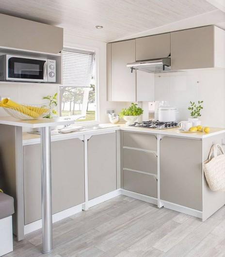 Location de vacances - Bungalow - Mobilhome à Saint-Aygulf - cuisine super équipée