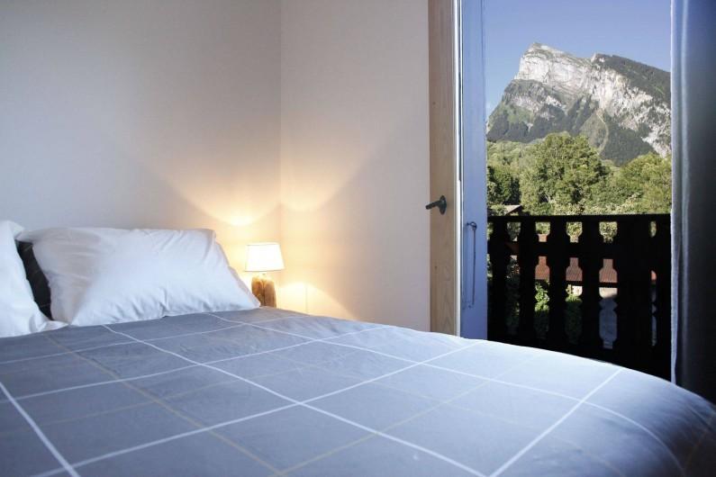 Location de vacances - Chalet à Samoëns - chambre 2 double avec sdb
