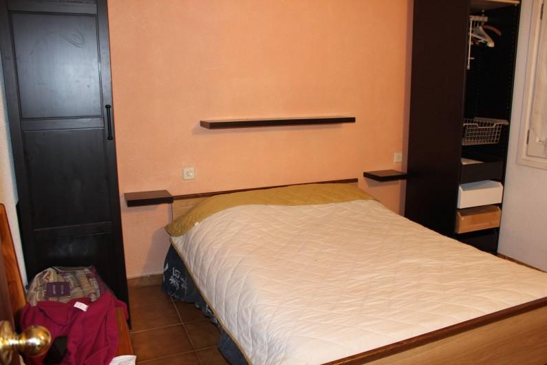 Location de vacances - Villa à Castelló d'Empúries - grand chambre