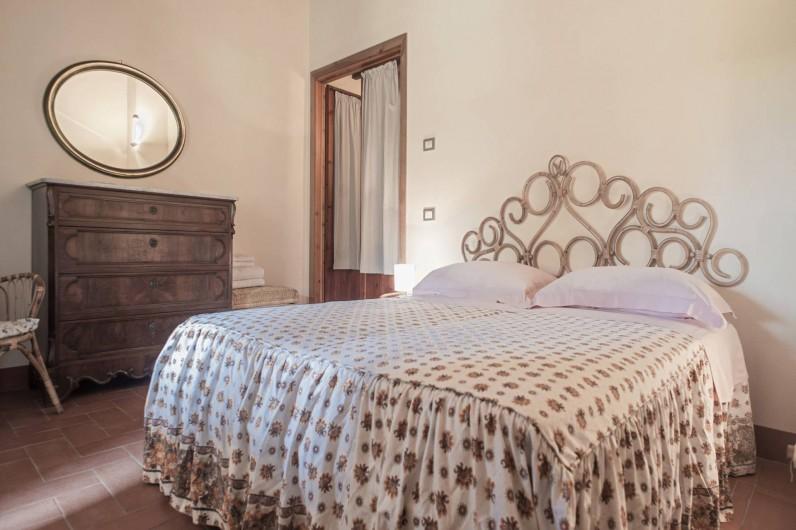 Location de vacances - Chalet à Terricciola - Chambre avec balcon