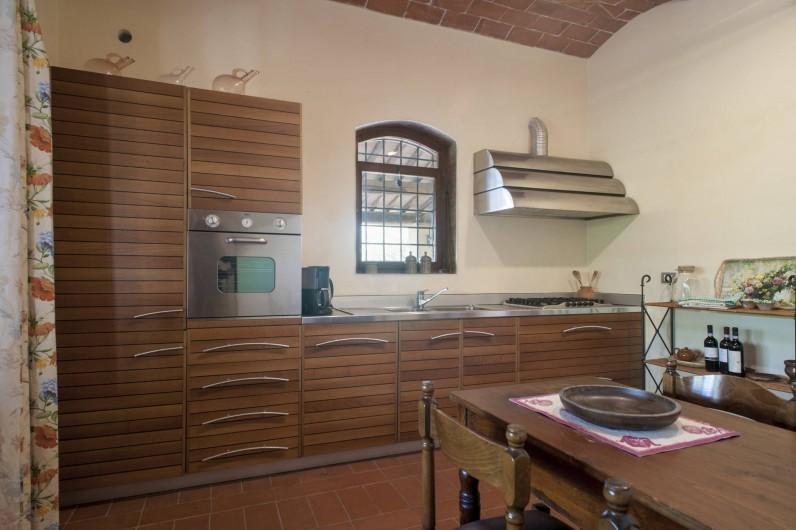 Location de vacances - Chalet à Terricciola - La cusine moderne