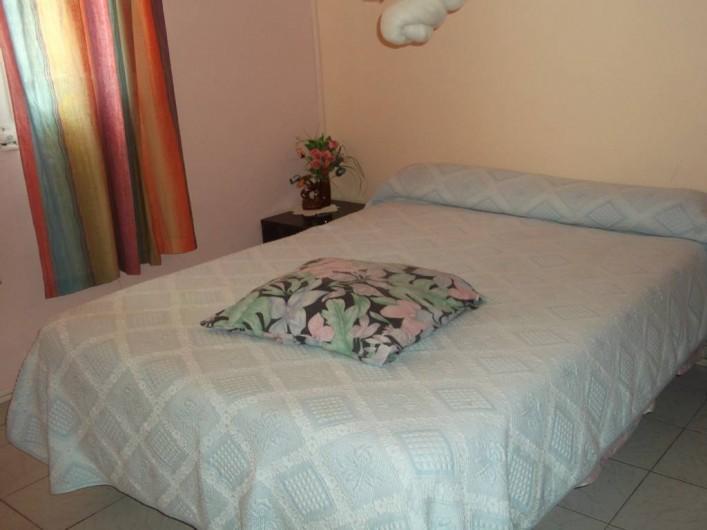 Location de vacances - Appartement à Les Anses-d'Arlet - Chambre climatisée n° 2 lit double
