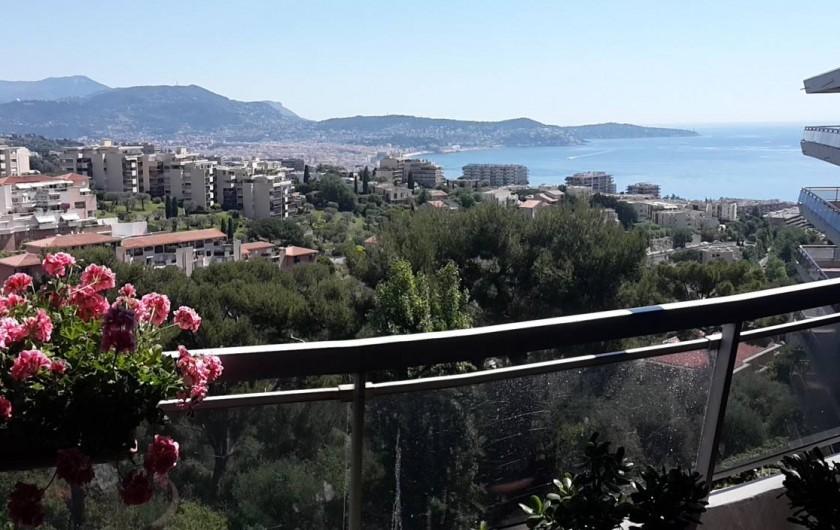 Location de vacances - Appartement à Nice - La vue du balcon - côté salon