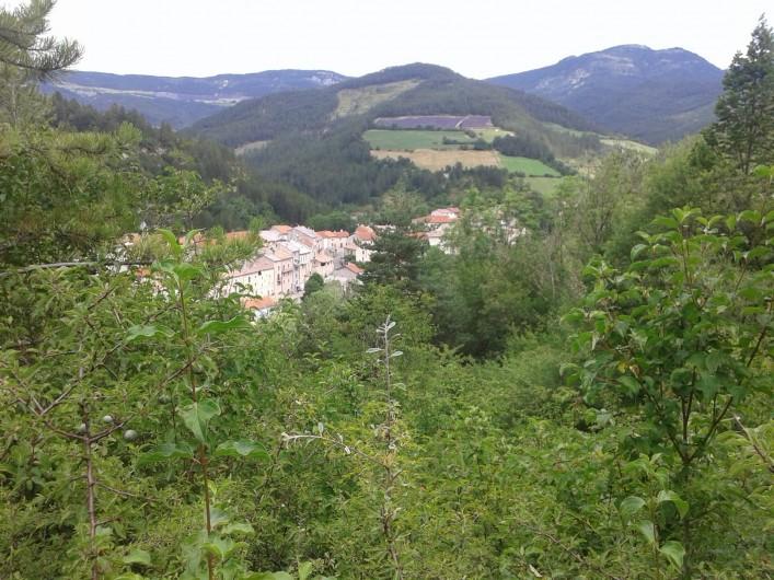 Location de vacances - Gîte à Valdrôme - Le village de Valdrôme