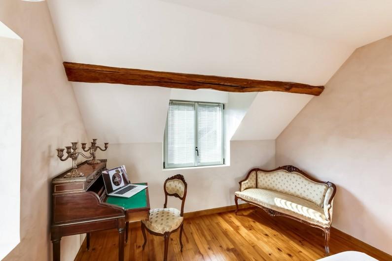 Location de vacances - Gîte à Saint-Benoît-sur-Loire - La chambre étage gauche sur jardin