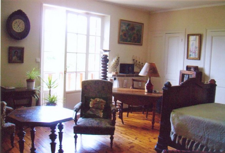 chambre chez l 39 habitant avec demi pension grenoble. Black Bedroom Furniture Sets. Home Design Ideas