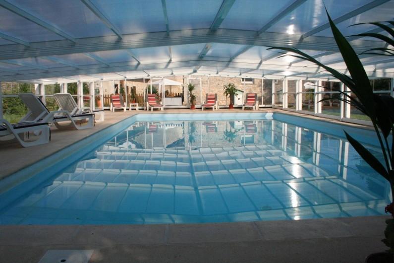 Location de vacances - Gîte à Saint-Vincent-sur-l'Isle - La piscine fermée