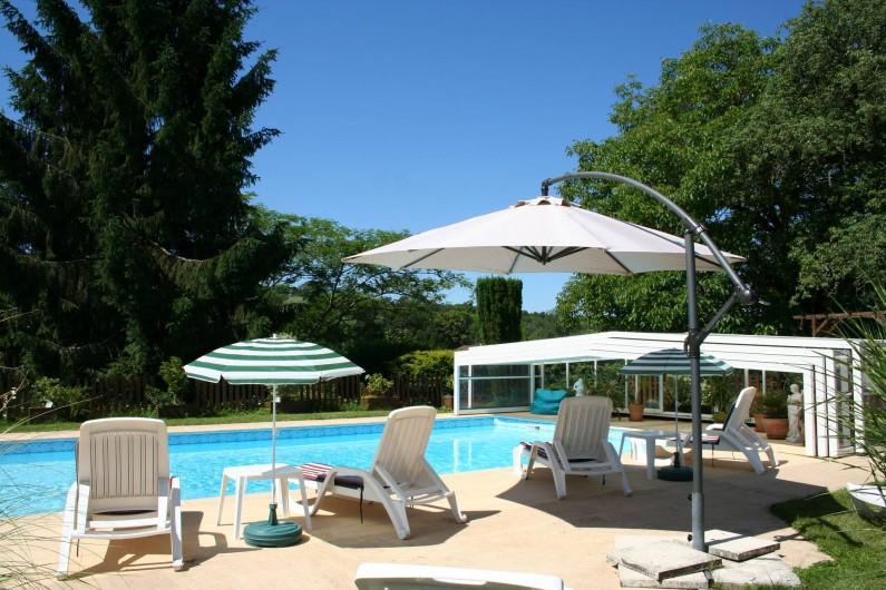 Location de vacances - Gîte à Saint-Vincent-sur-l'Isle - A l'ombre des parasols...