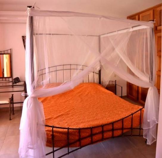 Location de vacances - Villa à Saly - 4 chambres climatisées - 3 en lits doubles de 160 - 1 en 2 lits simples en 90