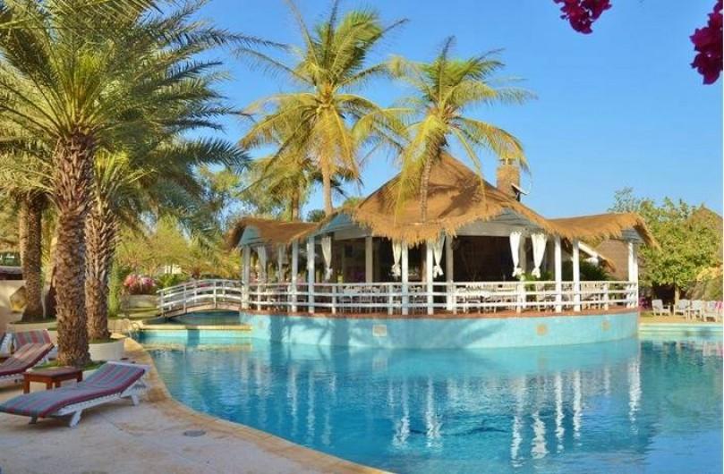 Location de vacances - Villa à Saly - à l'entrée de la résidence un restaurant et la piscne de la Résidence