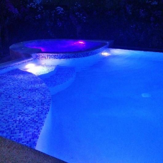 Location de vacances - Villa à Saly - Un éclairage LED pour une ambiance de détente la nuit