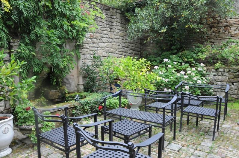 Location de vacances - Hôtel - Auberge à La Roche-Bernard - La petite terrasse intérieure