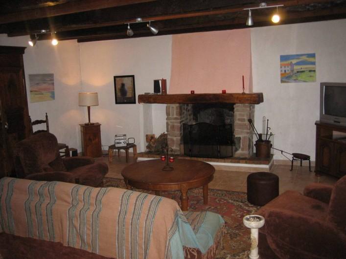 Location de vacances - Villa à Pléneuf-Val-André - Salle à manger avec cheminée et poêle à bois