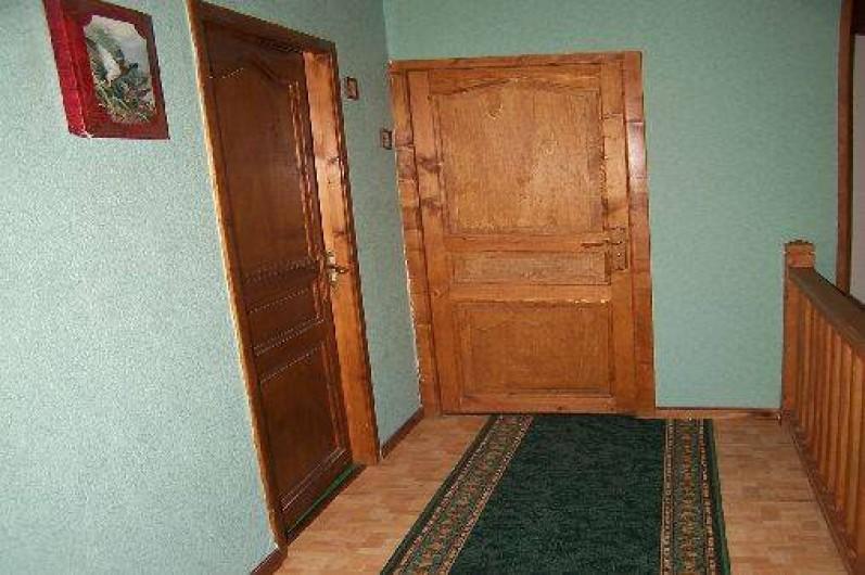 Location de vacances - Villa à Belcaire - couloir desservant les chambres