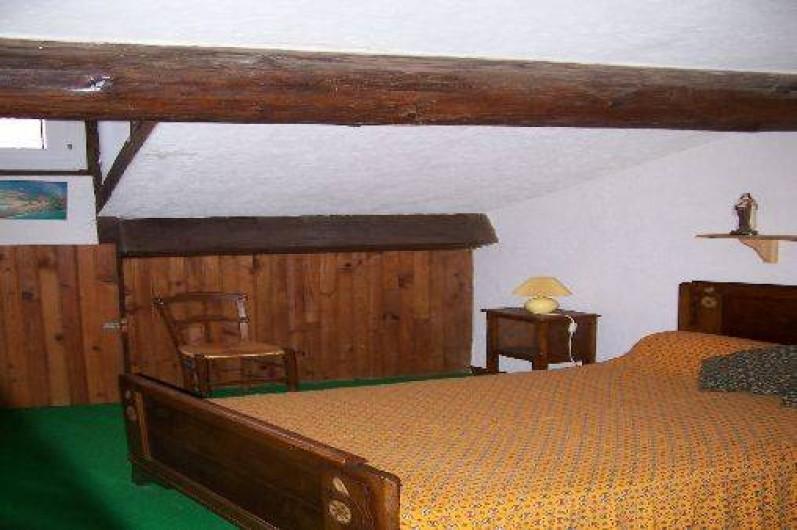 Location de vacances - Villa à Belcaire - Chambre 2 Lit en 140 + lit en 90