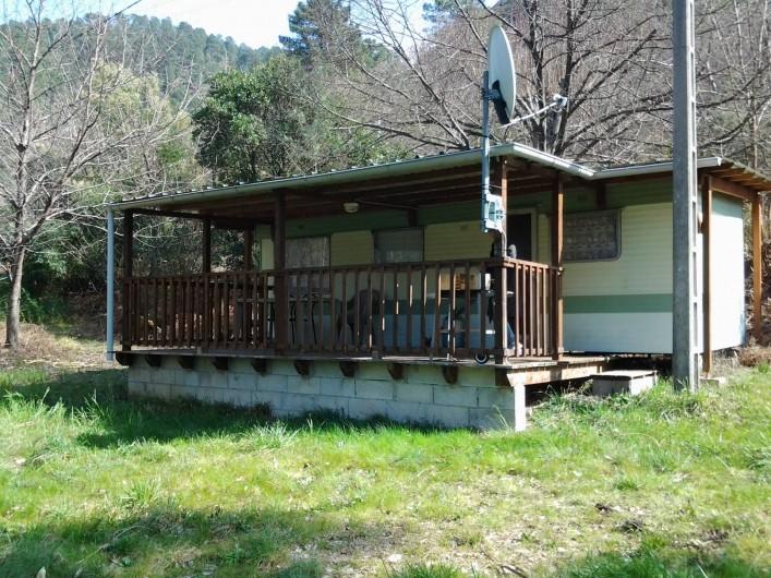 Location de vacances - Hôtel - Auberge à Malarce-sur-la-Thines - Mobil home à louer à 100 m  4 couchages, douche et cuisine
