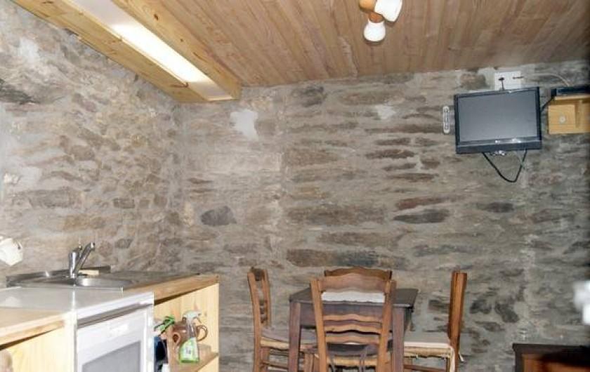 Location de vacances - Gîte à Sablières - coin cuisine et coin repas