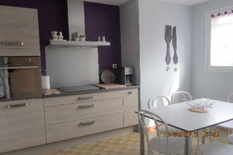 Location de vacances - Gîte à Puimisson - La cuisine très bien équipée
