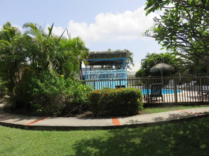 Location de vacances - Gîte à Saint-François - Vue opposée au bungalow