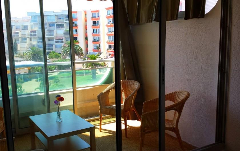 Location de vacances - Appartement à Carnon-Plage - Terrasse abritée de 8 m2 faisant office de salle a manger