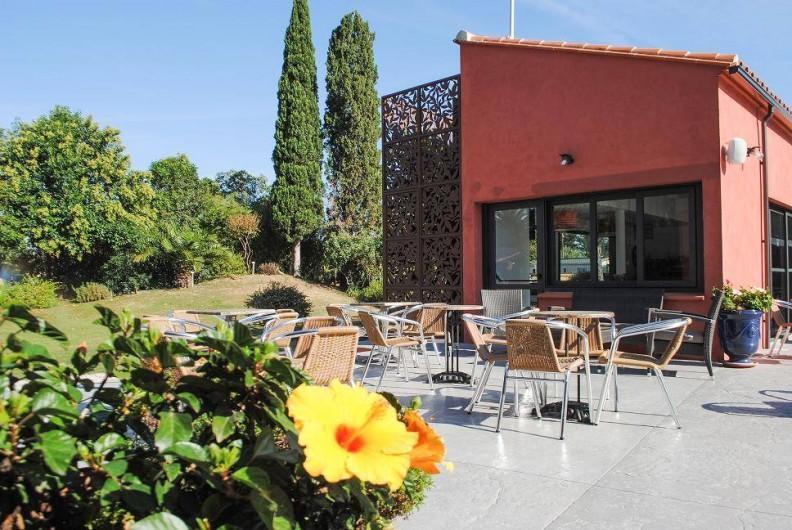 Location de vacances - Bungalow - Mobilhome à Palau-del-Vidre - Terrasse bar / restaurant