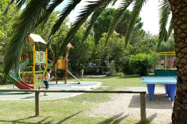 Location de vacances - Bungalow - Mobilhome à Palau-del-Vidre - Aire de jeux
