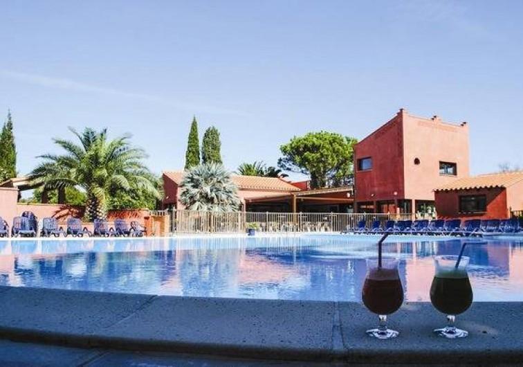 Location de vacances - Bungalow - Mobilhome à Palau-del-Vidre - Piscine