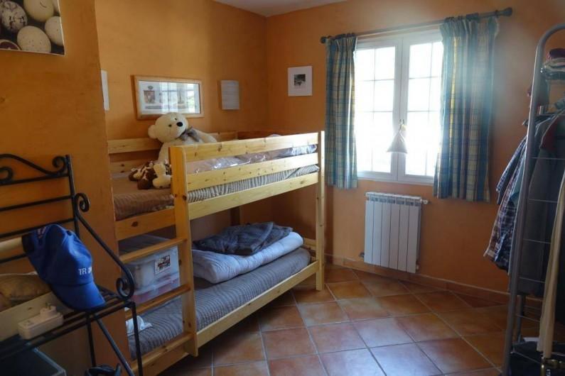 Location de vacances - Villa à Saint-Pierre-de-Vassols - Chambre Bedoin