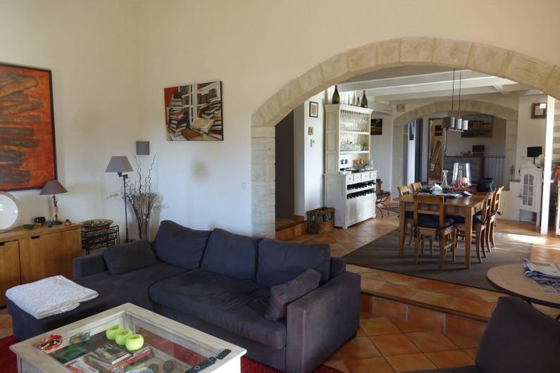 Location de vacances - Villa à Saint-Pierre-de-Vassols - living & salle à manger