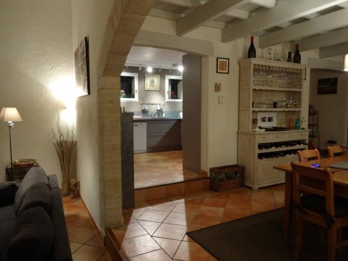 Location de vacances - Villa à Saint-Pierre-de-Vassols - accès cuisine