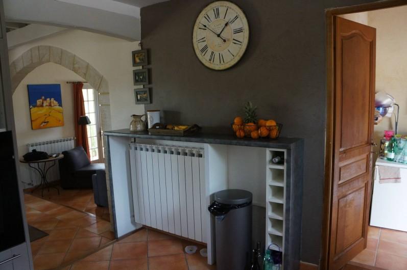 Location de vacances - Villa à Saint-Pierre-de-Vassols - accès salle à manger et buanderie