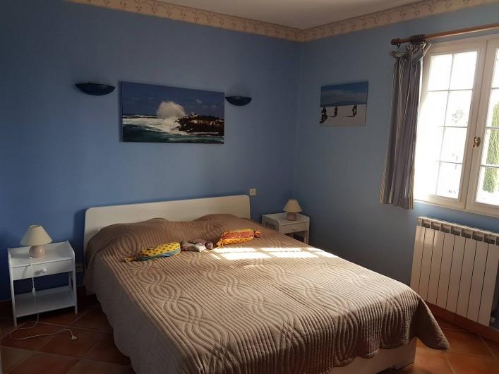 Location de vacances - Villa à Saint-Pierre-de-Vassols - chambre Mazan