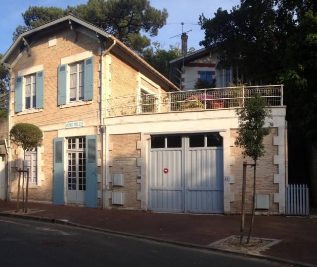 Location de vacances - Villa à Arcachon - Façade de la maison