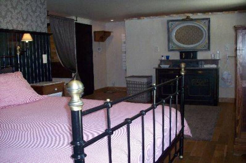 Location de vacances - Villa à Salviac - La chambre 1 salle de bain ensuite comprends lit double 160 x 200