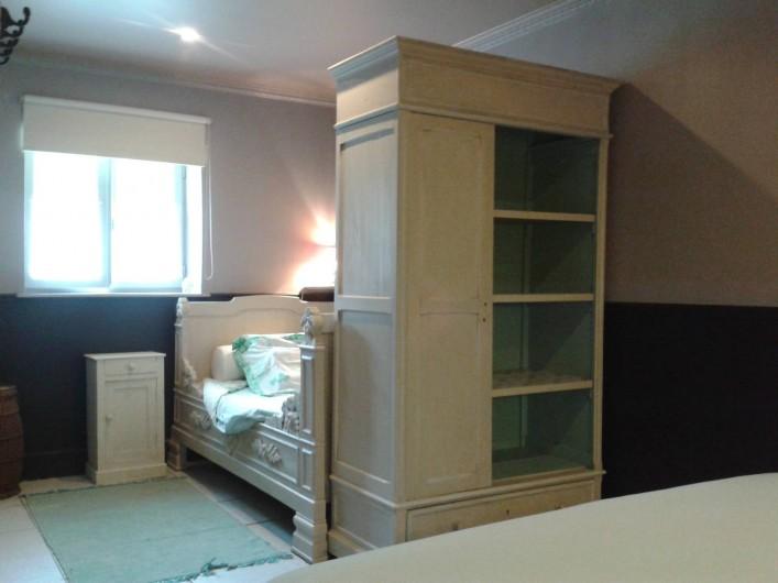 Location de vacances - Villa à Salviac - La chambre 3 Lit ancien 1 ,1/2 110 x 185 pour une pers. où 2 enfants