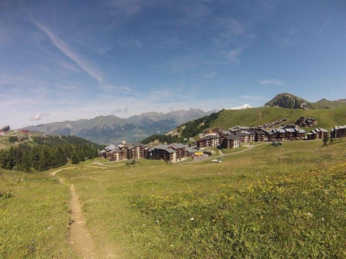 Location de vacances - Studio à Mâcot-la-Plagne - Plagne Villages été