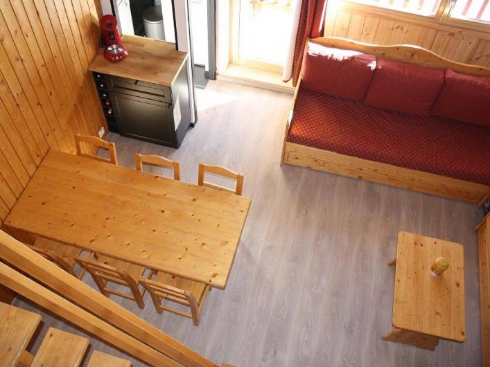 Location de vacances - Studio à Mâcot-la-Plagne - Vue séjour depuis mezzanine