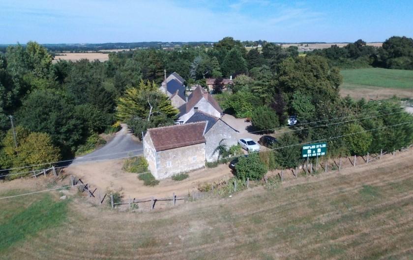 Location de vacances - Chambre d'hôtes à Dissay-Sous-Courcillon - vue de aérienne de la propriété