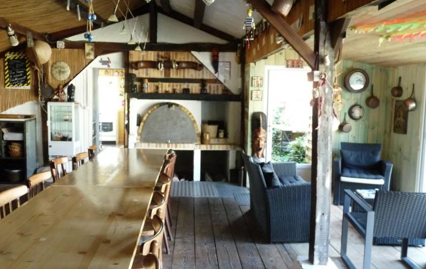 Location de vacances - Chambre d'hôtes à Dissay-Sous-Courcillon - la Paillote : pièce pour les petit déjeuner et diner