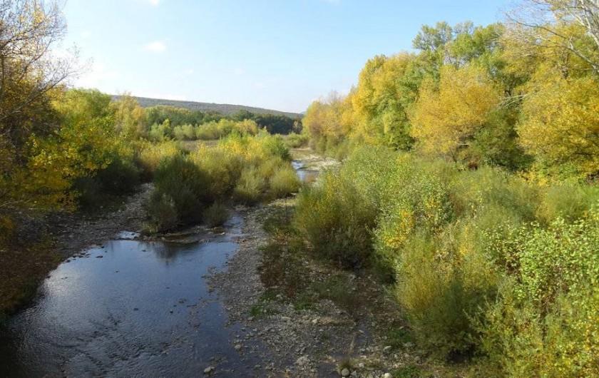 Location de vacances - Gîte à Saou - La rivière le Roubion