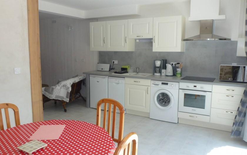 Location de vacances - Gîte à Saou - Gîte du Haulty séjour/cuisine