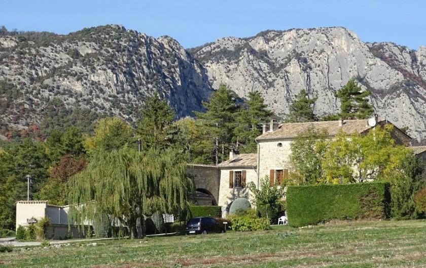Location de vacances - Gîte à Saou - La Grange Rouge Le synclinal perché