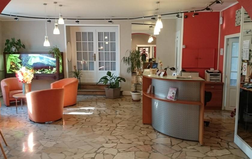 Location de vacances - Hôtel - Auberge à Lons-le-Saunier - Réception