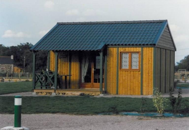 Location de vacances - Chalet à Plurien - chalet 4 pers. avec pelouse , terrasse couverte  salon de jardin, barbecue