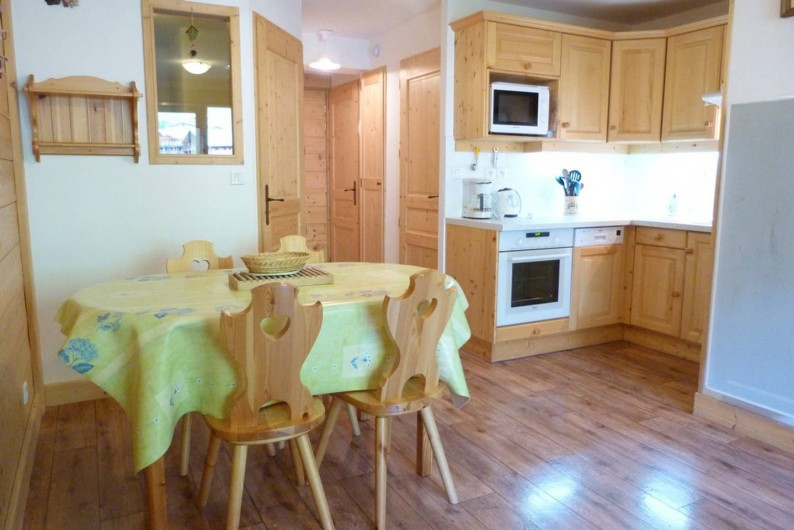 Location de vacances - Appartement à Arêches - Appartement n°2 : cuisine salle à manger