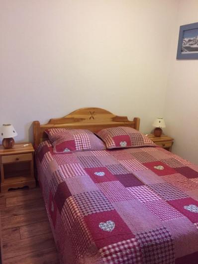 Location de vacances - Appartement à Arêches - Appartement n°2: chambre