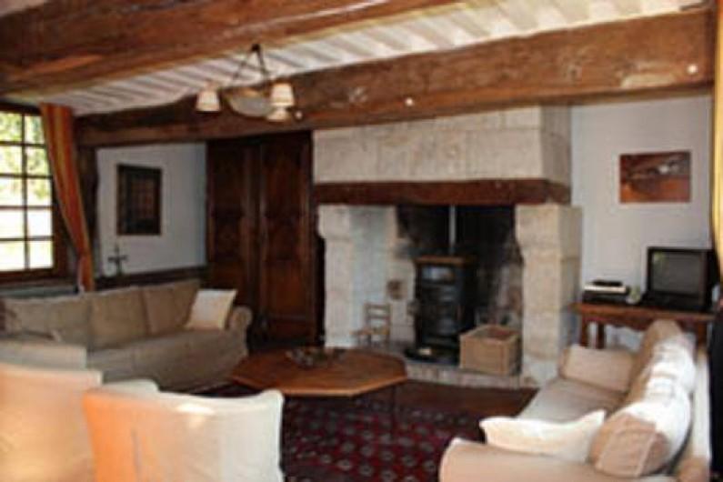 Location de vacances - Gîte à Saint-Georges-en-Auge - Salon avec sa cheminée